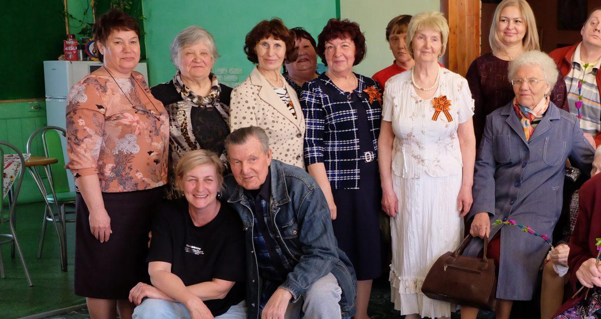 Волонтёры посетили пожилых земляков, живущих в коркинском пансионате
