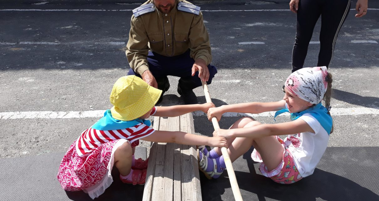Казаки пришли в гости к коркинским дошкольникам