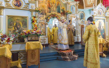 Коркинцев с престольным праздником поздравил митрополит Челябинский и Миасский