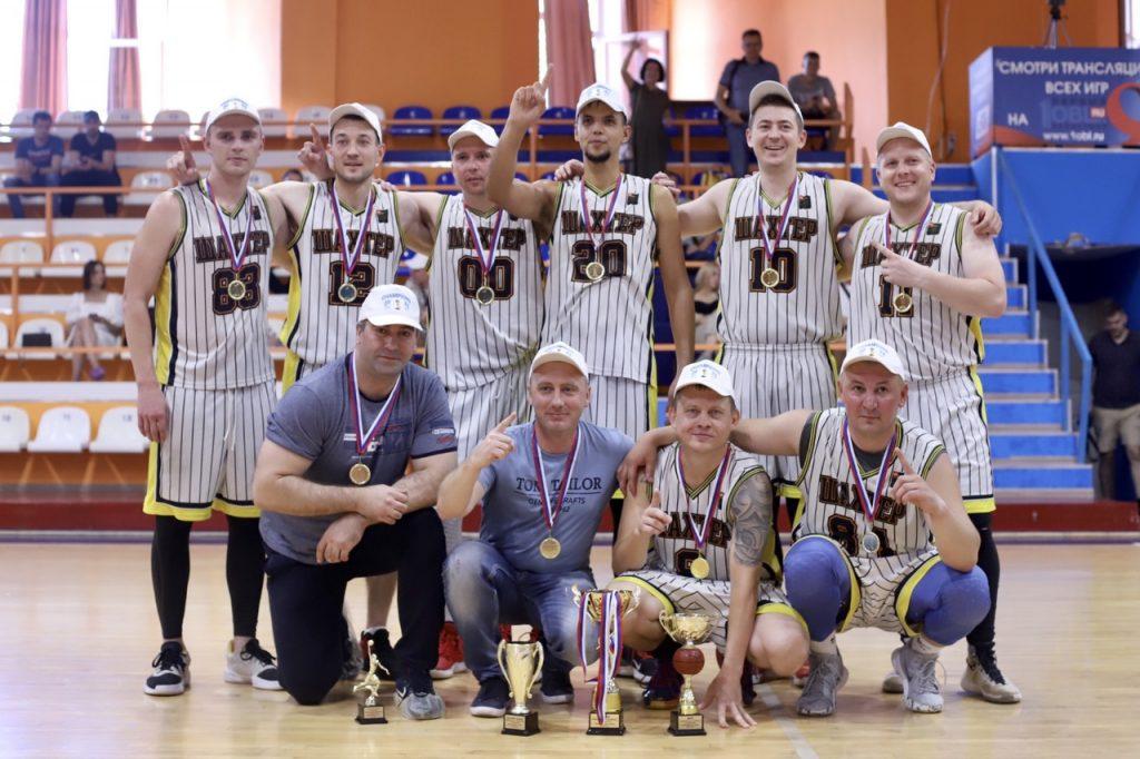 Коркинский «Шахтёр» выиграл любительскую баскетбольную лигу Челябинска, завоевав малый кубок!