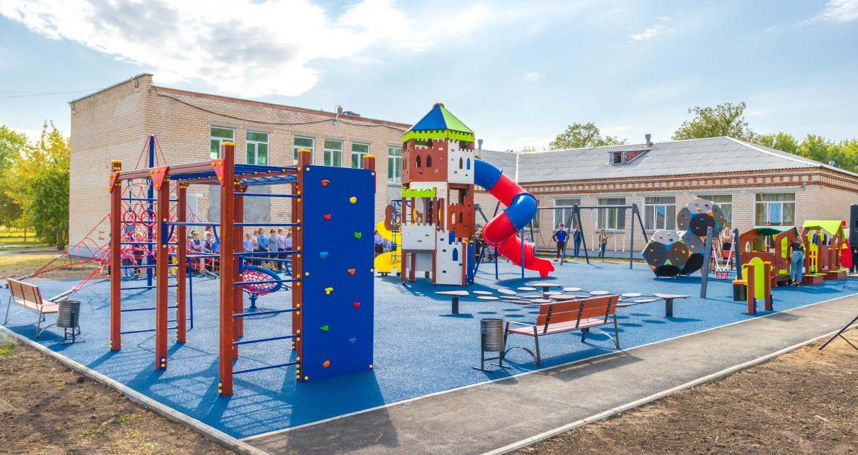 В деревне Шумаки Первомайского поселения появилась чудо-площадка для детей!