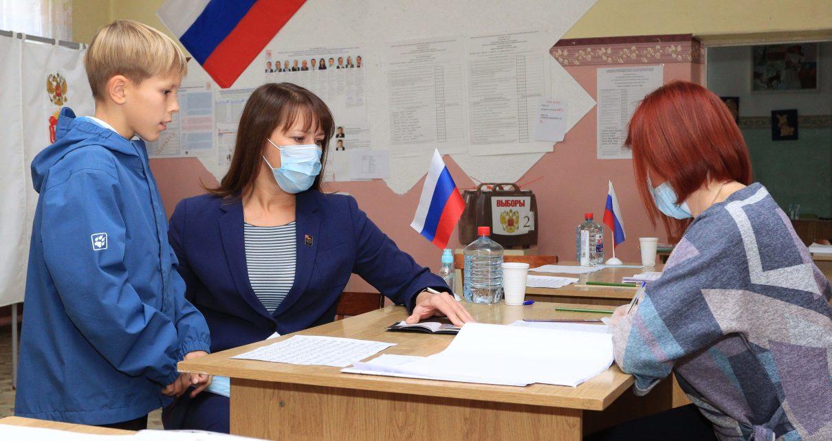 Глава Коркинского района Наталья Лощинина сделала свой выбор