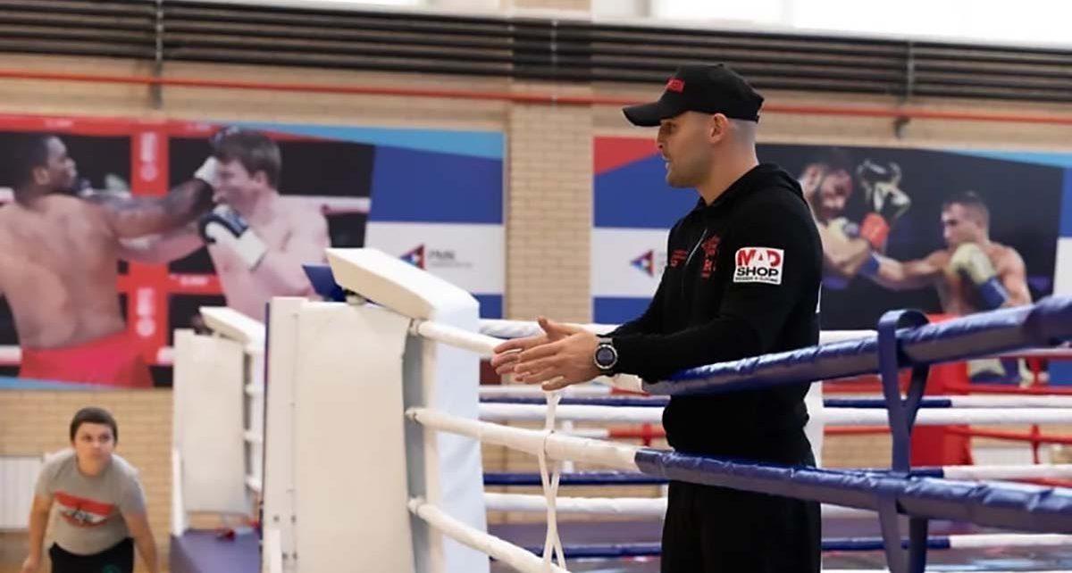 В Коркино для юных боксёров мастер-класс провёл непобеждённый чемпион!