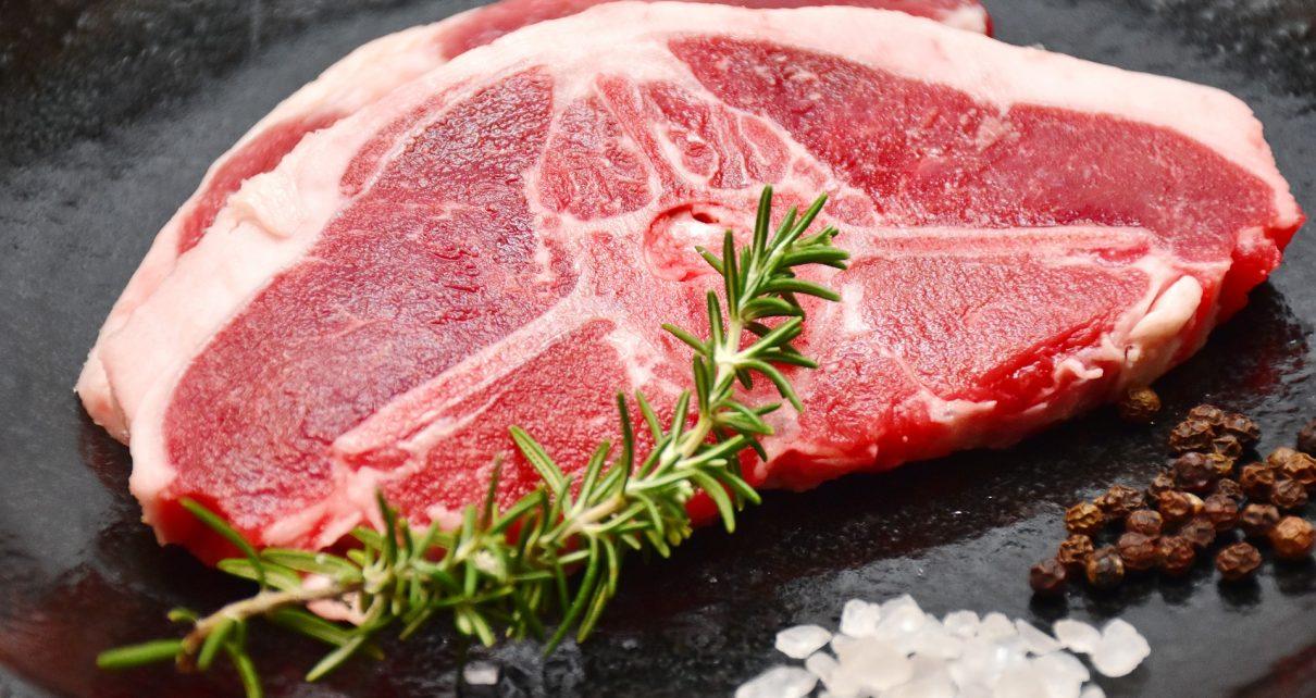 Вопросы по качеству мяса и рыбы можно задать по телефону горячей линии