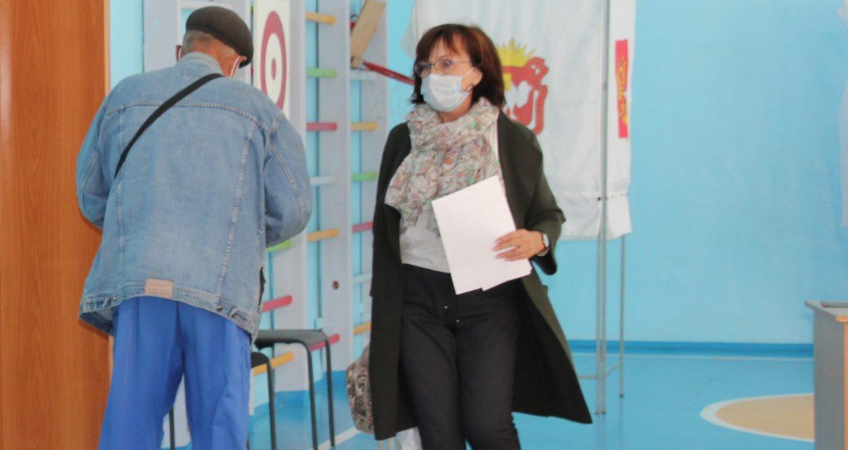 Почётный гражданин Коркинского района Татьяна Перевозкина рассказала, почему решила проголосовать