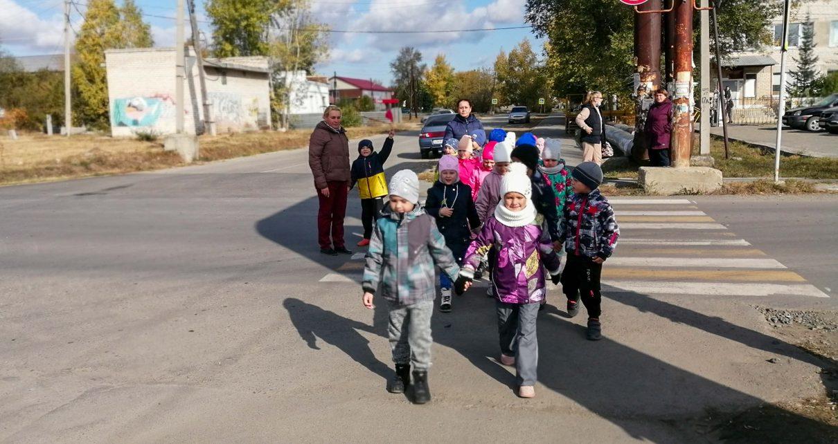 Первомайские дошколята изучили ПДД на практике