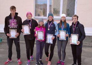 Коркинские легкоатлеты бегали в Копейске
